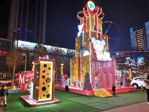 枣庄和谐广场圣诞美陈